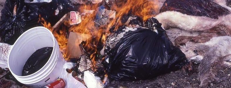 Boete voor zelf afval verbranden | Afvalcontainerbestellen.nl