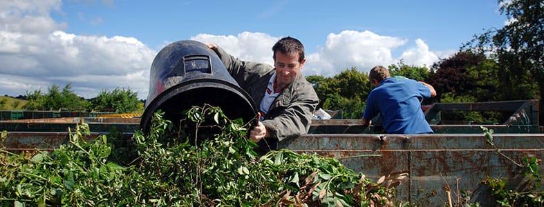 Voer groenafval deze lente voordelig af | Afvalcontainerbestellen.nl