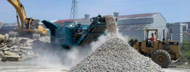 Nieuwe betonplaten van puinafval | Afvalcontainerbestellen.nl