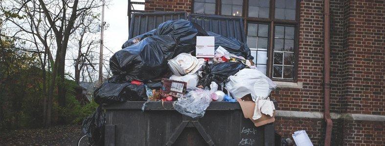 Lange wachtrijen voor milieustraten door heel Nederland | Afvalcontainerbestellen.nl
