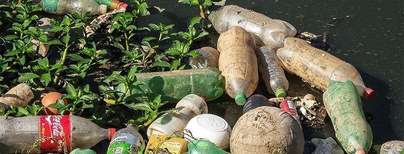 Bijna 150 bouwafval containers gevuld met afval uit de Maas   Afvalcontainerbestellen.nl